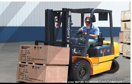FORKLIFT CPCD25.Operator Safety and Comfort