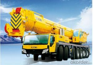 QAY300 adopts 7-axle chassis, 5-axle steering, 4-axle drive