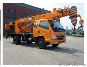 truck crane with max lifting capacity of 8 tons