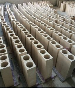 Clay brick of refractory brick for oven