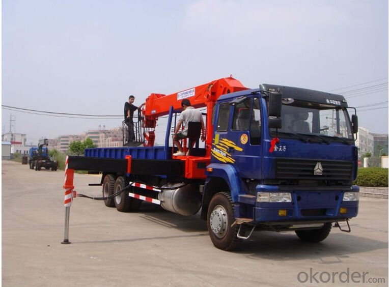 hydraulic cargo crane with FOTON truck chassis with 5tone to 7tone truck Euro 3 & Euro 4