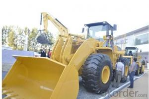 Wheel loader with bucket capacity  of 2.7m3 model number CLG842