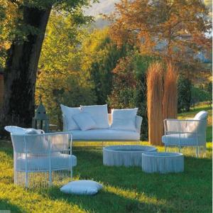 Outdoor Furniture Slim Round PE Rattan Table & Chairs