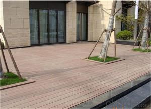 Outdoor floor tiles with recycled material