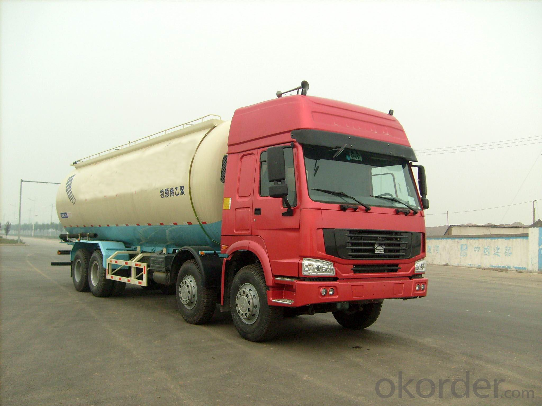 The Bulk Cement Truck with 40 Cubic Meters