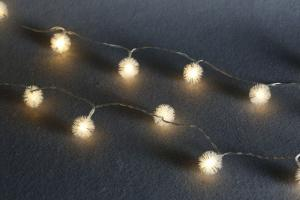 Ball-flower 3AA Battery Operated Mini LED Light String with 20 Lights for Decoration.