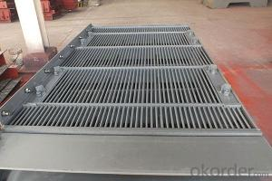 Long service life elastic free rod sieve plate