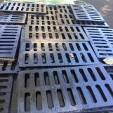 Industry Used Ductile Iron Manhole Cover with Different Designs B125