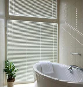 Cheap Spring Cassette Chain Roller Blinds